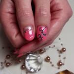 ピンク&プックリネイル